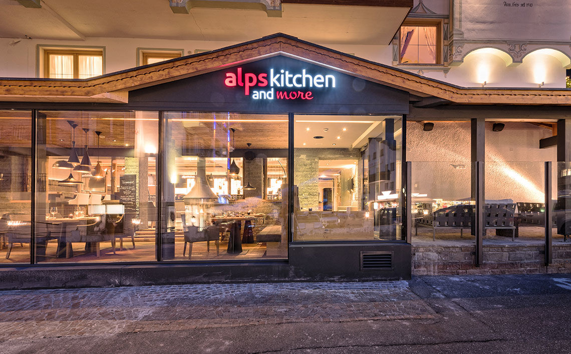VIP Lounge alps kitchen and more, ©Des Alpes