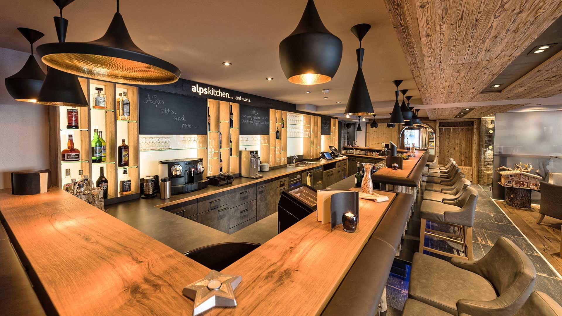 Vip lounge alps hotel des alpes restaurant alps kitchen for Stylische hotels